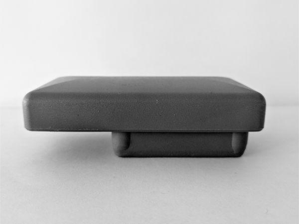 PVC-Pfostenkappe grau mit Überstand